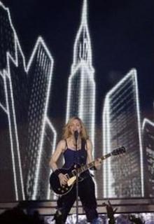 Madonna_at_coachella